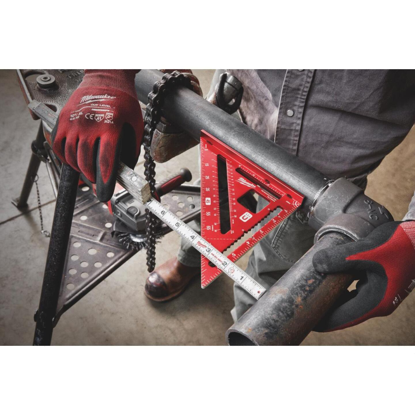 Milwaukee 7 In. Magnetic Rafter Square Image 2
